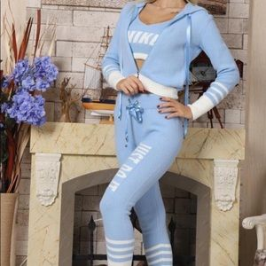 Ladies Nike Outfit